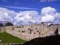 Kohevad pilved Haapsalu lossipargis.jpg