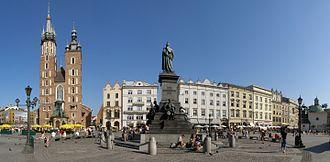 Kraków Old Town - Image: Krakow Rynek Glowny panorama 2