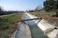 Kvemo Samgori Canal, Lilo.JPG