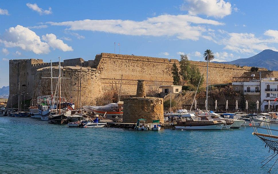 Kyrenia 01-2017 img11 Castle exterior