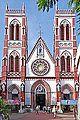 L'église du Sacré Cœur de Jésus (Pondichéry, Inde) (13999867425).jpg