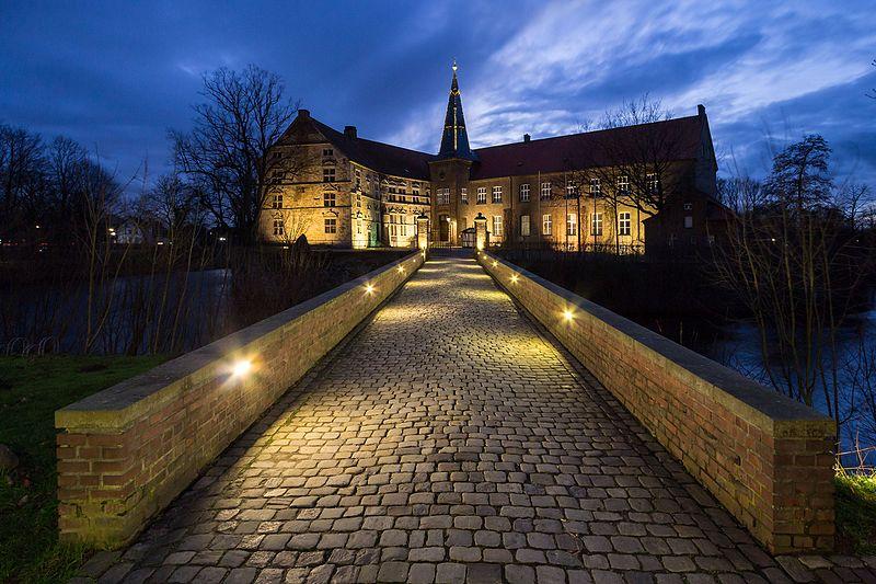 File:Lüdinghausen, Burg Lüdinghausen -- 2014 -- 5498.jpg