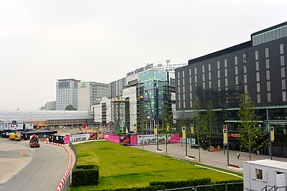How to get to London Designer Outlet with public transport- About the place