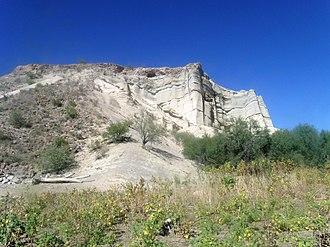 Lake Pleasant Regional Park - Image: Lake Pleasant Regional Park Sandstone cliffs
