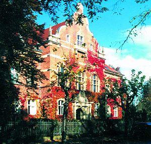 Potsdam-Mittelmark - historic district administration building, Belzig