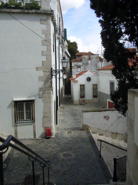 File:Lanes in the old district Alfama Lisbon.jpg
