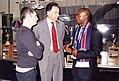 Laurent Perpère avec le Fan Club PSG Cameroun.jpg
