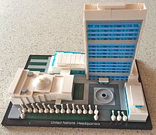 Lego Architecture 21018 - United Nations Headquarters.jpg