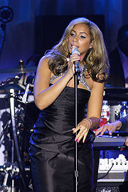 Photograph of Leona Lewis performing live.