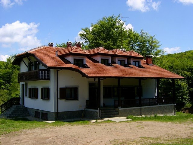 Lovački dom u Valmištu