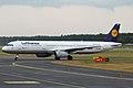 Lufthansa, D-AIRR, Airbus A321-131 (15836885203).jpg