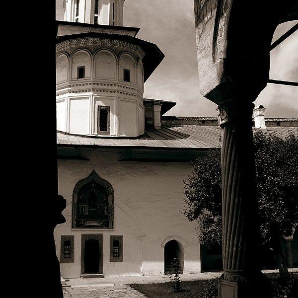 File:Mânăstirea Hurezi (15).jpg