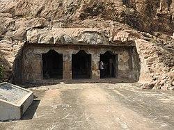 Mamandur cave tempe.jpg