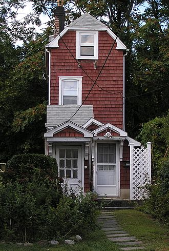 Mamaroneck, New York - Mamaroneck Skinny House
