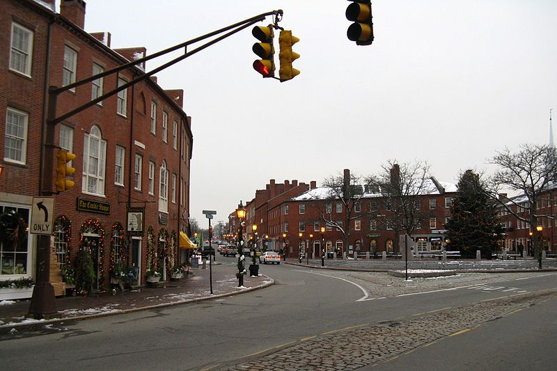 Paypay:Market Square, December, Newburyport MA.jpg