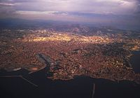Marseille vue d avion.jpg