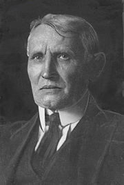 Maurycy Trebacz (1932 photo).jpg