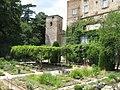 Medieval garden (Perugia) 05.jpg