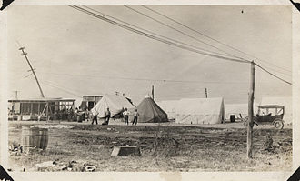 Stone & Webster - Image: Men loitering at Stone & Webster Engineering camp at Virginia Point (close up)