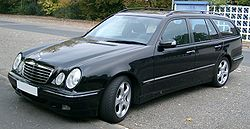 Mercedes S210 front 20071025.jpg