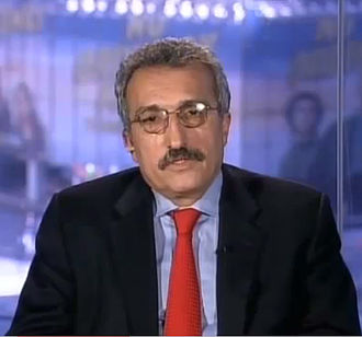 Abbas Milani - Milani in an interview with Parazit (VOA-PNN)