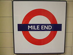 Mile End tube stn roundel 2012 01.jpg
