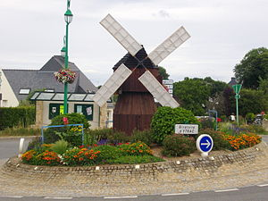 Monterblanc - The Ytrac roundabout, in Monterblanc