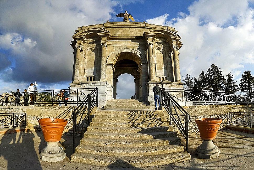 Monument aux morts - Constantine معلم تذكاري - قسنطينة 2