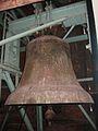 Muenchen Auferstehungskirche Grosse Glocke.jpg
