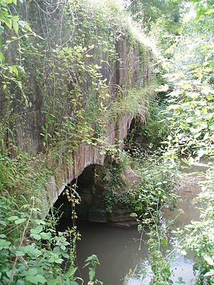 Dorset and Somerset Canal - The north face of Murtry aqueduct