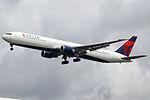 N843MH Boeing 767-400 Delta (14708388822).jpg