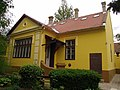 Narodna biblioteka u Novom Bečeju - dvorišna fasada.jpg