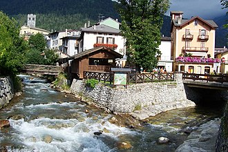 Oglio - Image: Nascita del fiume Oglio Ponte di Legno (ph Luca Giarelli)