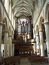 Nef et orgue St Eloi.jpg