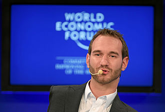 """Nick Vujicic - Vujicic speaking during the session """"Inspired for a Lifetime"""" at the World Economic Forum in Davos, Switzerland, on 30 January 2011"""