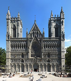 Architecture of Norway - West face of the Nidaros Cathedral (originally Romanesque church, rebuilt and extended in the gothic style 1183-1248).