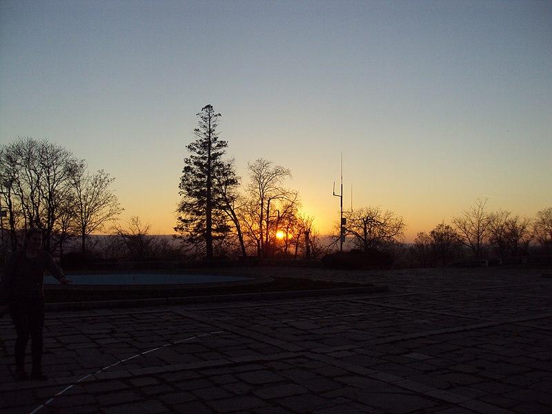 File:Nigth in Plovdiv 07.jpg