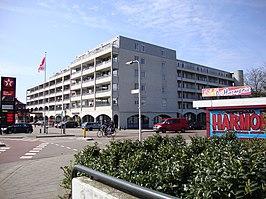 Tankstation en appartementen aan de St. Annastraat