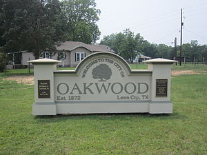 Oakwood, Texas - Oakwood welcome sign