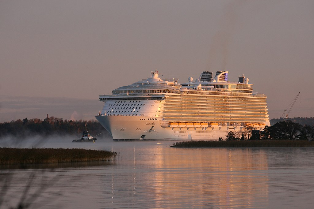 Oasis of the seas leaving STX shipyard, Turku, Finland