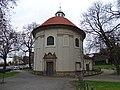 Olšanské náměstí, kostel svatého Rocha, od západu.jpg
