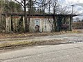 Old HJ Davis Phillips 66 Service Station, Whittier, NC (45916739964).jpg