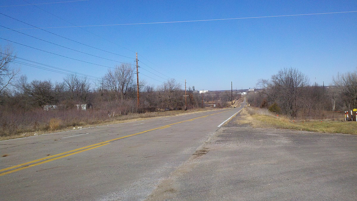 Old Iowa Highway 46.jpg