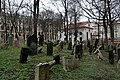 Old Jewish Cemetery, Prague (7) (26093253242).jpg