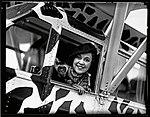 Osa and airplane (3334094802).jpg