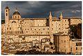 Palazzo Ducale di Urbino panoramica.jpg
