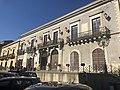 Palazzo del Comune di Valguarnera Caropepe.jpg