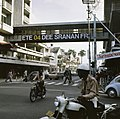 Paramaribo (voorbereiding onafhankelijkheid) teksten Suriname Free in Paramar, Bestanddeelnr 254-9748.jpg