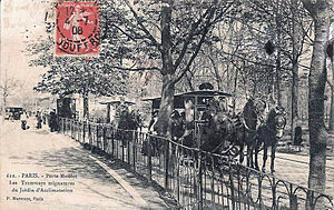 Jardin d'Acclimatation railway - From 1880 to 1910, the carriages were hauled by ponies.