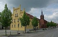 Peitz - Rathaus und Kirche 0001.jpg